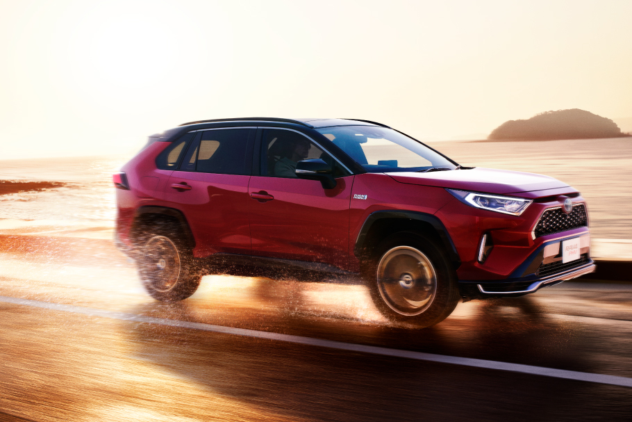 rav4phv_feature_img11